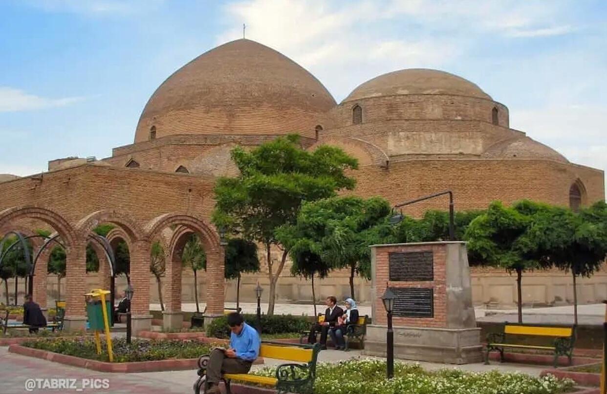 عدسة إيرانية: مسجد كبود في تبريز شمالي غرب إيران 1