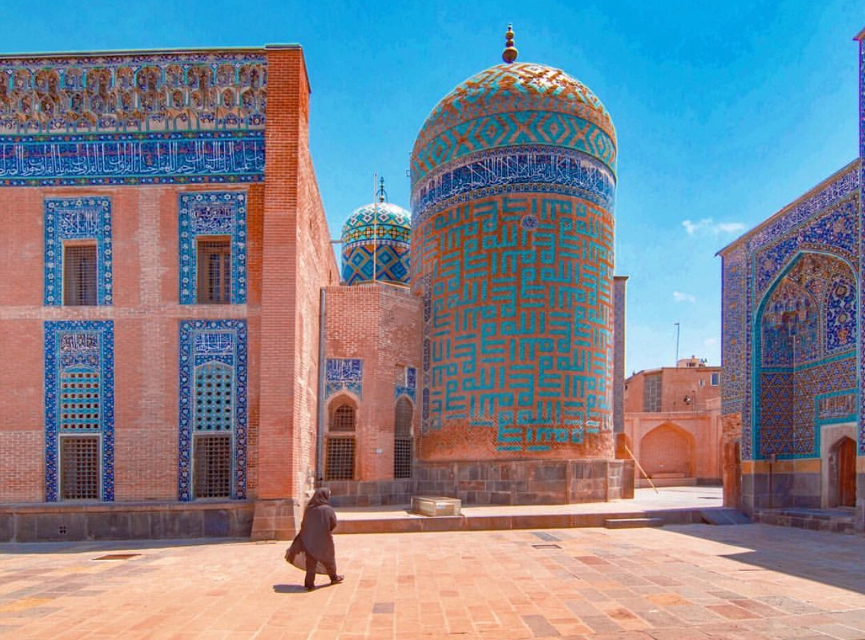 عدسة إيرانية: ضريح صفي الدين الأردبيلي في اردبيل 3
