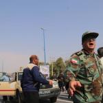 استعراض عسكري تحت النار في ايران، بالصور كيف وقع الهجوم المسلح في الأهواز؟ 21