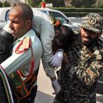 استعراض عسكري تحت النار في ايران، بالصور كيف وقع الهجوم المسلح في الأهواز؟ 39