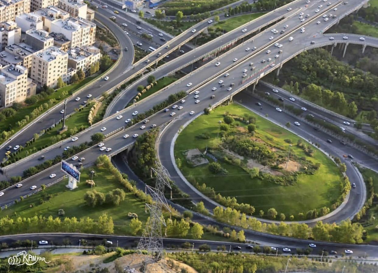 عدسة إيرانية:  شبكة الطرق في طهران 1