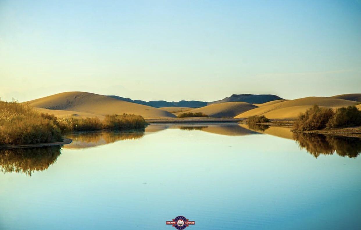 عدسة إيرانية: تلاقي الصحراء والماء في صحراء لوط في يزد 1