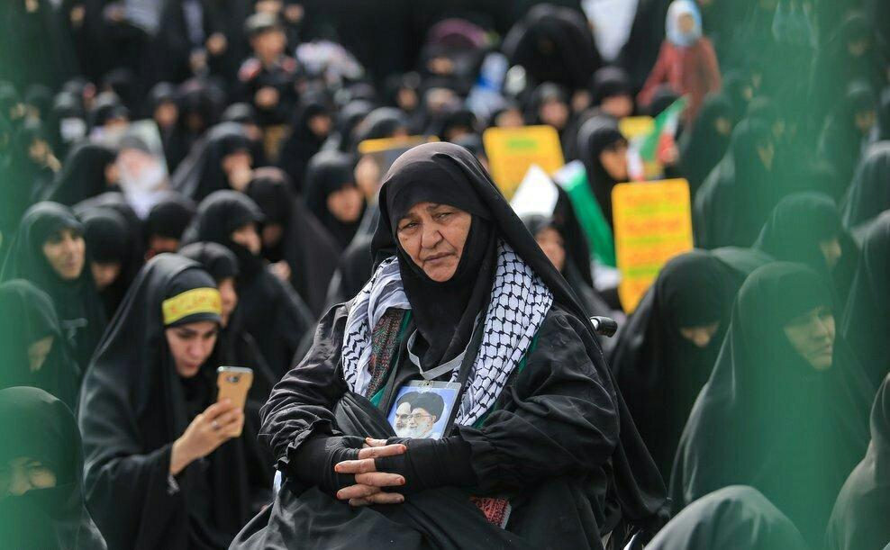 """بالصور: إيران تحيي """" يوم مقارعة الاستكبار"""" 9"""