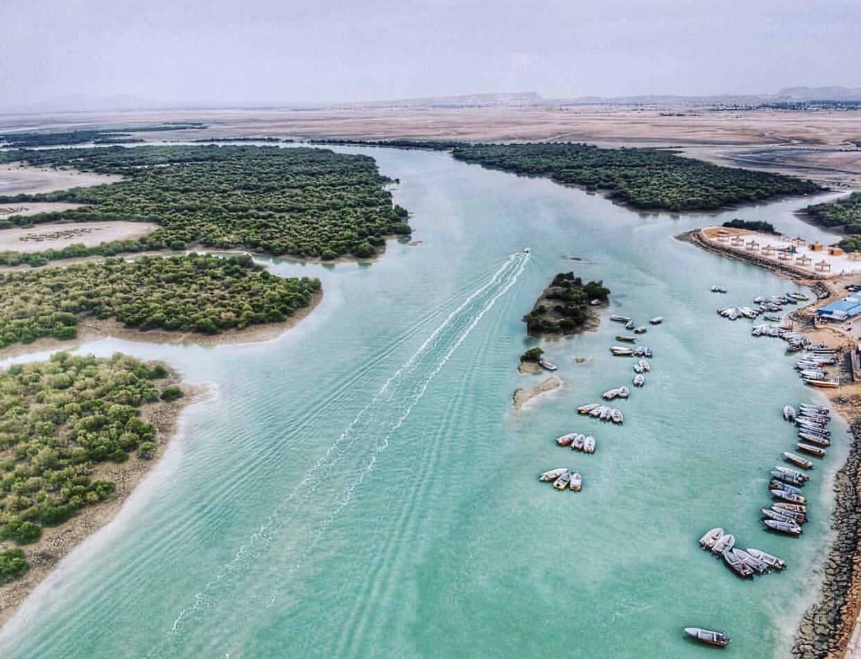 عدسة إيرانية: جزيرة قشم جنوبي إيران 3