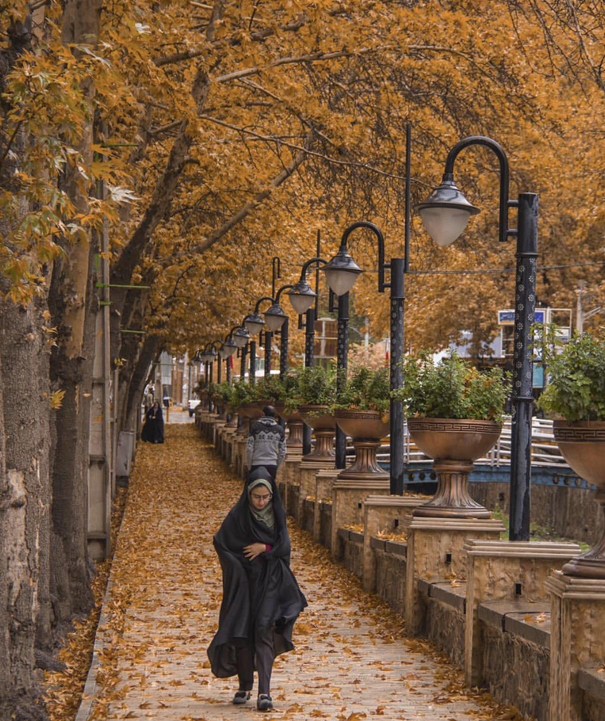 عدسة إيرانية: الخريف في خوانسار، قرب أصفهان 1