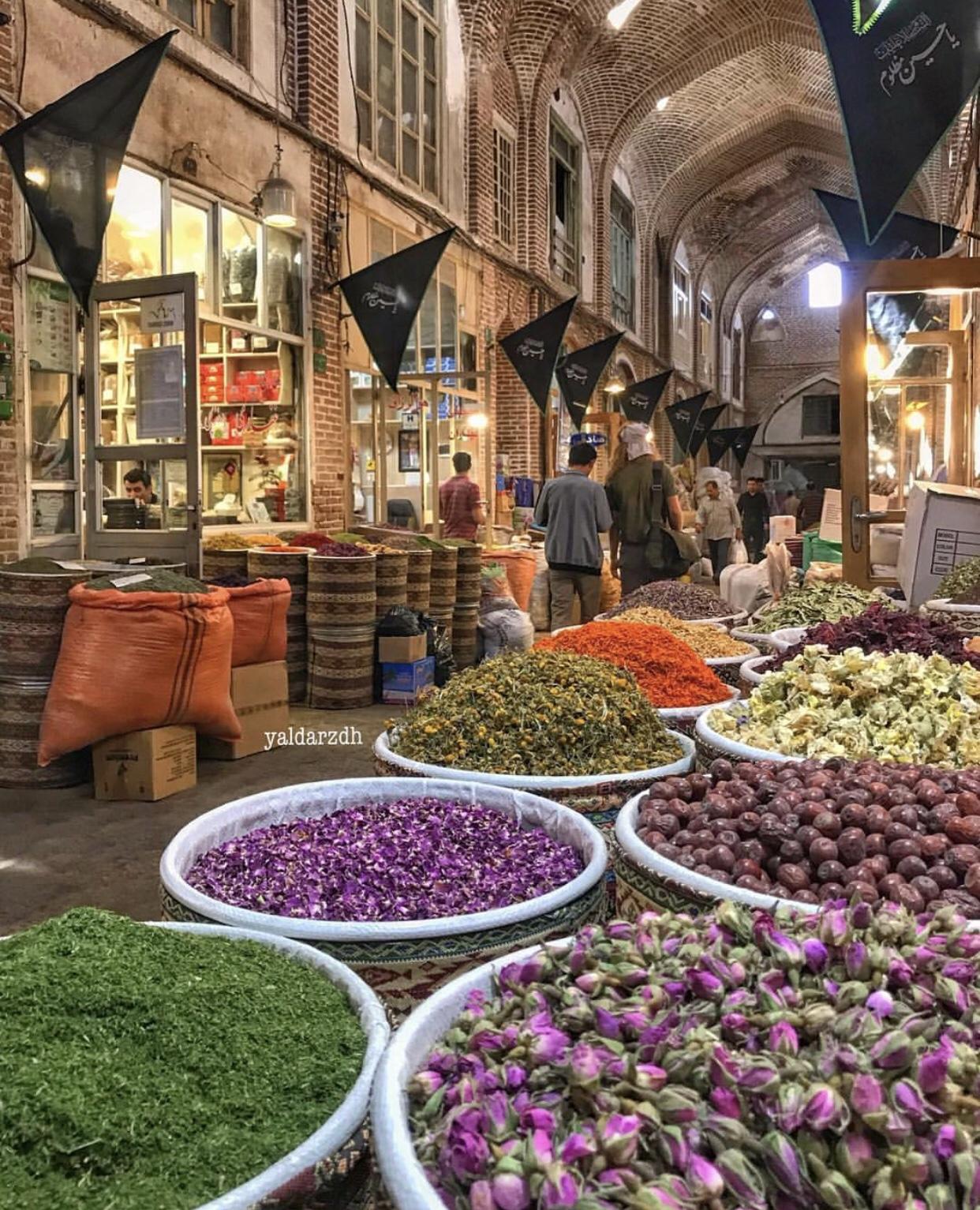 عدسة إيرانية: بازار تبريز الكبير 1