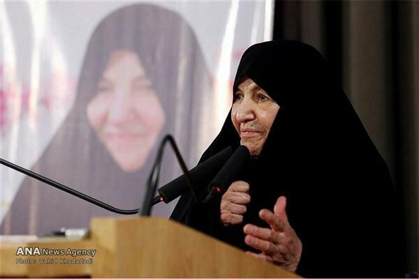 خمسة من إيران: خمس إيرانيّات من أُوّلِ النساء بمناصب سياسية في الجمهورية الإسلامية 4