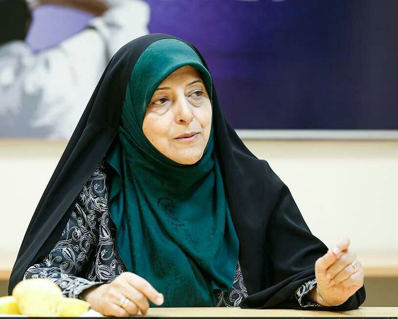 خمسة من إيران: خمس إيرانيّات من أُوّلِ النساء بمناصب سياسية في الجمهورية الإسلامية 1