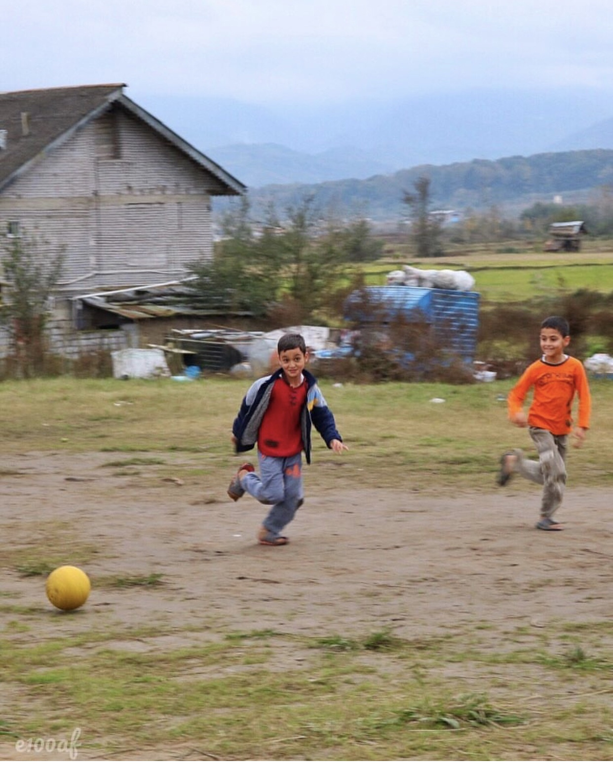 عدسة إيرانية: أطفال يلهون في غيلان 3