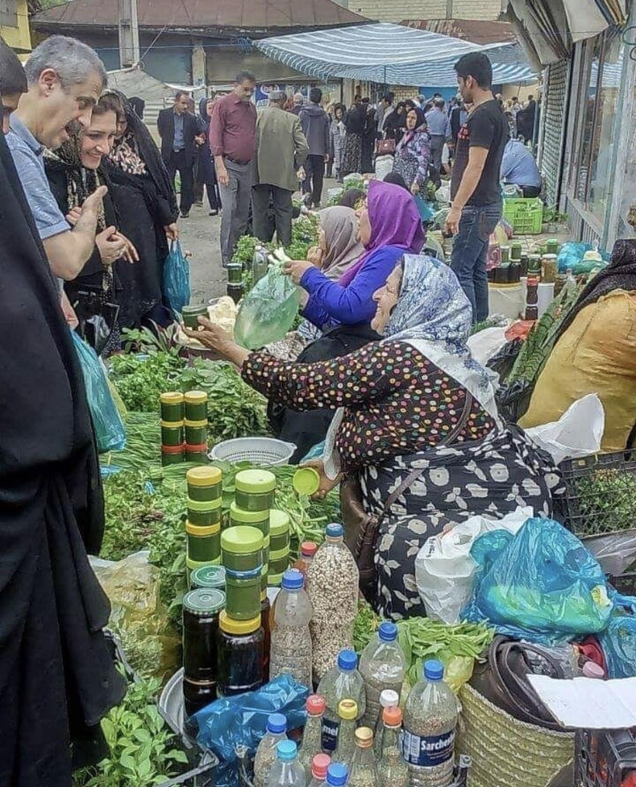 عدسة إيرانية: سوق الخضار في رشت شمالي إيران 3