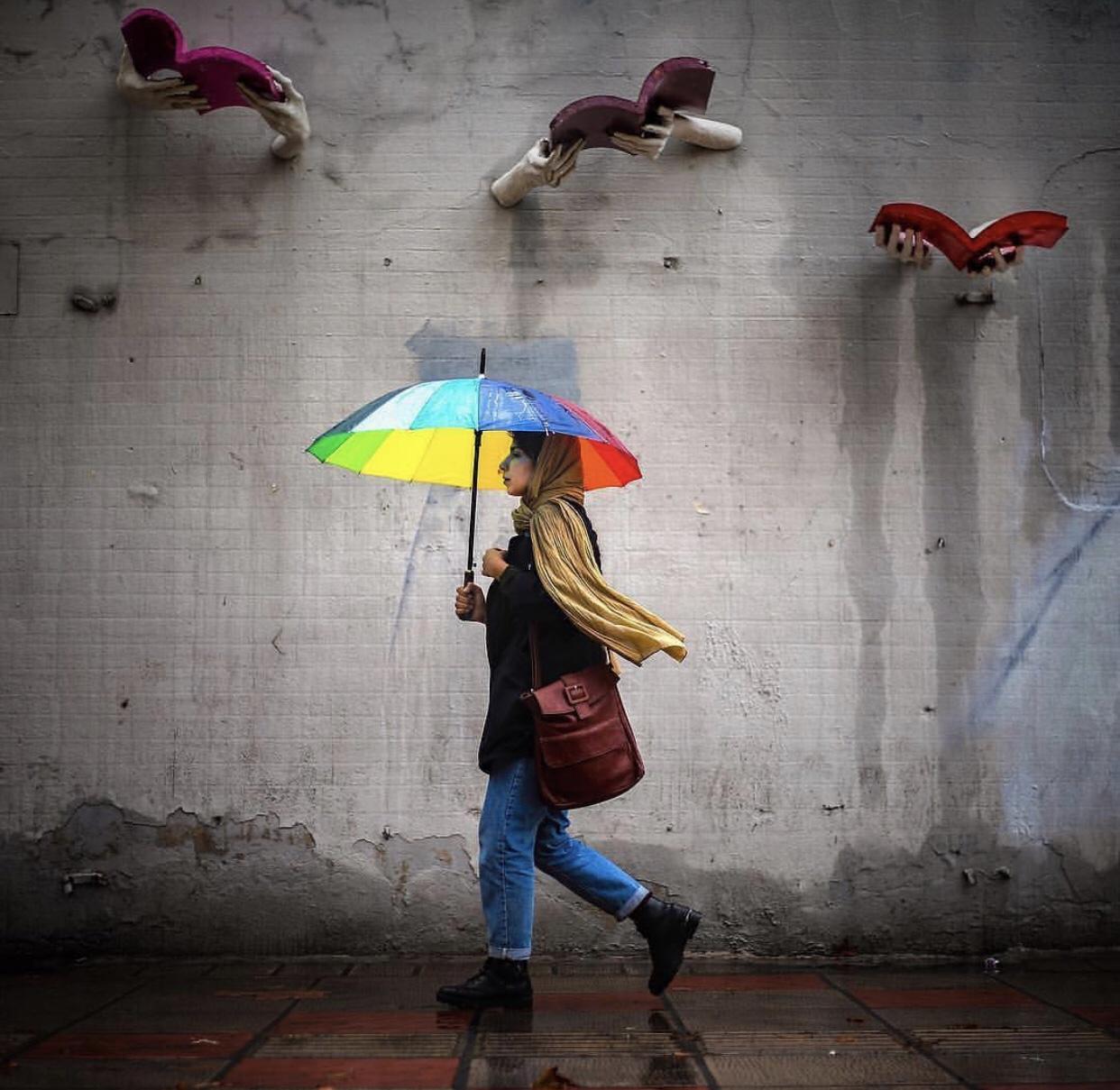 عدسة إيرانية: مطر وقراءة قي طهران 1