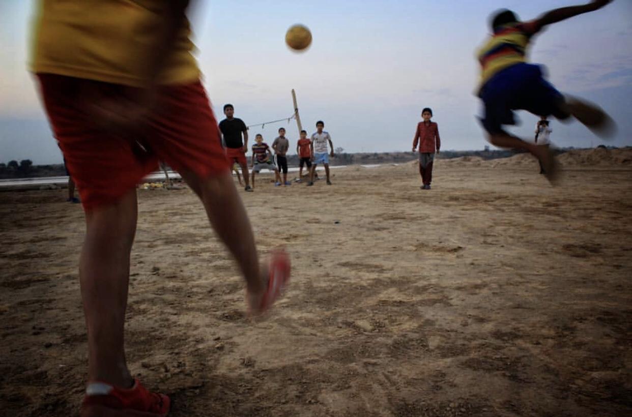 عدسة إيرانية: كرة قدم الشاطئ في الأهواز 3