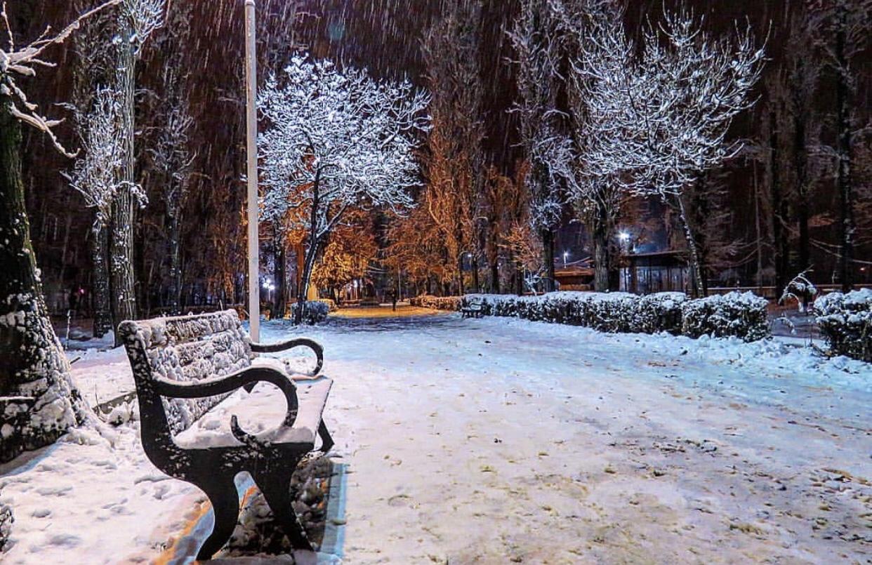 عدسة إيرانية: حديقة بارديس ابهر بالقرب من قزوين 1