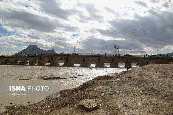 شبابيك إيرانية / شباك الثلاثاء: عودة مؤقتة لمياه أصفهان وتحول الصفوف المدرسية لمنصات استعراض 2