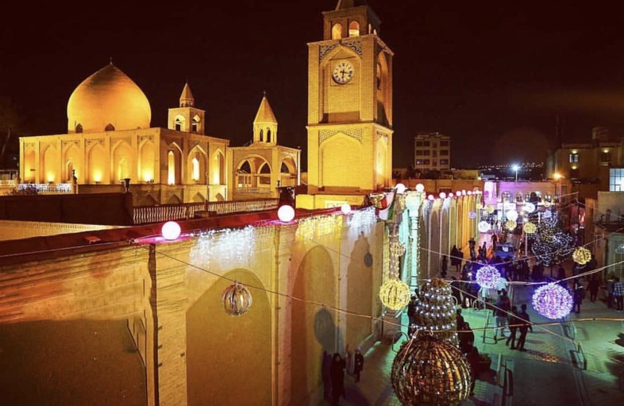 عدسة إيرانية: حي جلفا في اصفهان ليلة رأس السنة 3