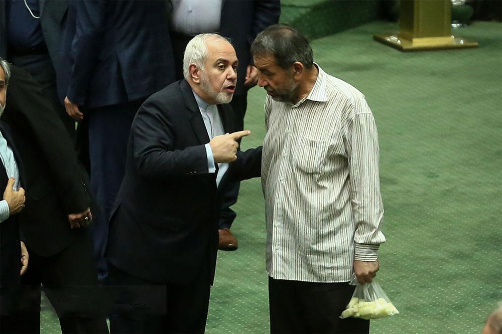 شبابيك الأحد : أكبر سجادة إيرانية تكسر الرقم القياسي لسجادة مسجد الشيخ زايد 1