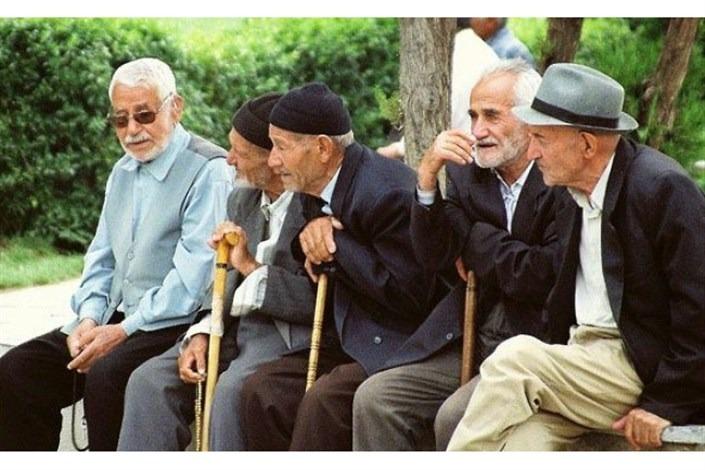 """شباك الأحد: """"الحب"""" يتصدر مبيعات كتب الصيف في إيران 2"""